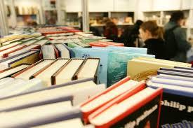 Dictionare, cuvinte, definitii, carti, evenimente